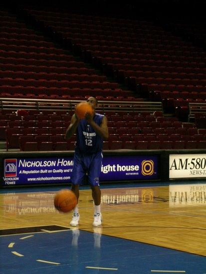 透过NBA看美国(2):我与霍华德的首次相遇