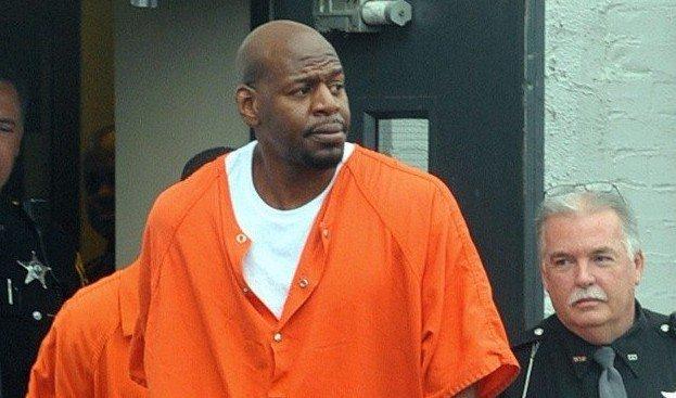 非法持有武器+酒驾!98年13号秀被判入狱8年