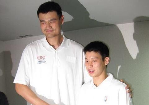 林书豪:祝贺姚明入选名人堂 他是亚洲先驱者