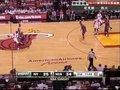 视频:尼克斯vs热火 韦德背打小斯上反篮打成