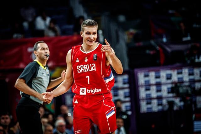 欧洲杯:塞尔维亚大胜意大利 半决赛将战俄罗斯