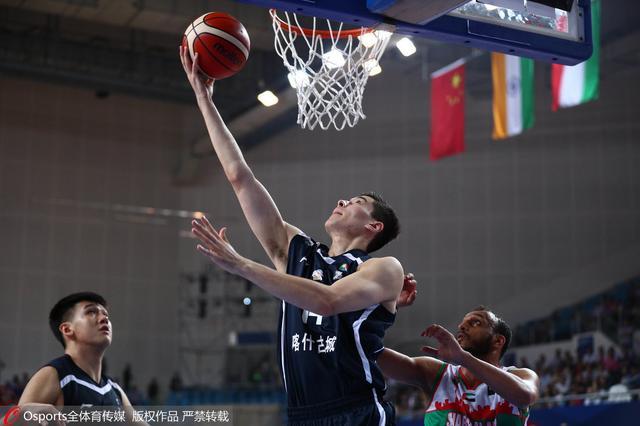 男篮红人亚冠首秀高效12+9 这曾是他腾飞舞台