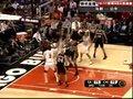 视频:马刺vs公牛 罗斯神助篮板变身弹力人