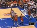 视频:NBA典藏十大扣篮 乔丹回马枪骑扣尤因