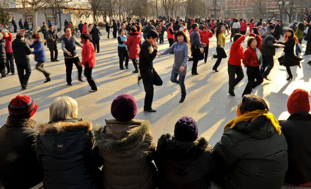 广场舞开撕