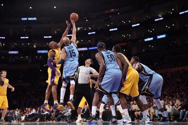 跳球也瘋狂:大個子遭羞辱  Kobe、Carter成经典