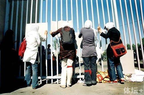 13万人造伊朗魔鬼主场 5人曾死这里女性在维权