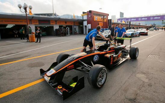 格兰披治赛车19日开赛 乐橙国际车手抵达澳门