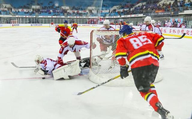 VHL-壮志得酬!吉林城投冰球队勇夺联赛四连胜