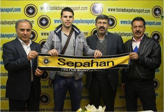 泰达外援正式加盟伊朗冠军 签约1年半战亚冠