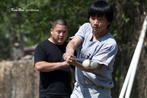 北京强棒新蜂A队少一人应战 击退韩国Twins队