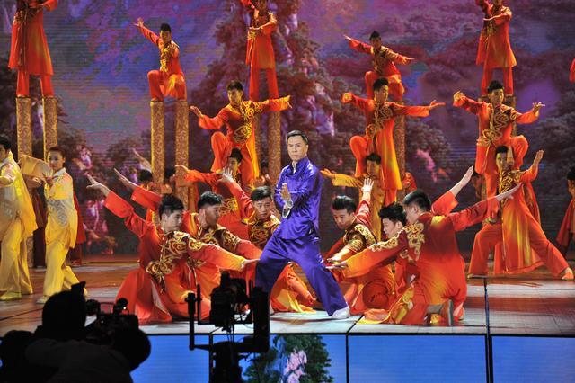 武术小子参演春晚 《天地人和》令观众叫绝