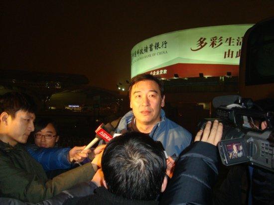 男排抵京受媒体关注 周建安:最大收获是坚持