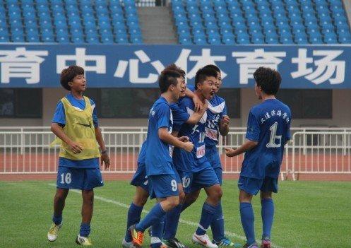"""校园冠军杯""""连沪争霸"""" 大连滨海3-0上海玉华"""