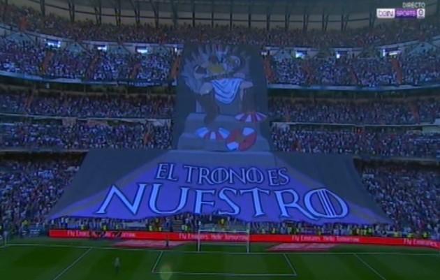 皇马巨幅Tifo太震撼:王座归我!球迷一幕动情