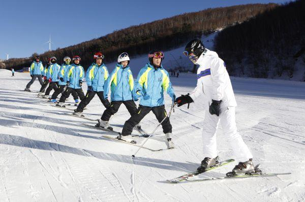 海外品牌借冬奥押注中国 冬季运动服装市场将火