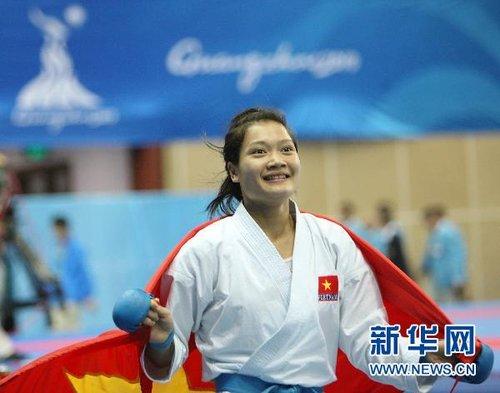 空手道女子55公斤级:越南选手夺冠(组图)