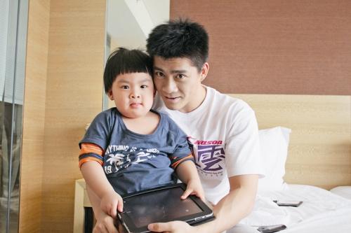 【不说再见】傅海峰:能送小鱼儿上学真开心