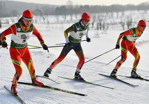 越野滑雪队专注训练调状态 争取更多冬奥资格
