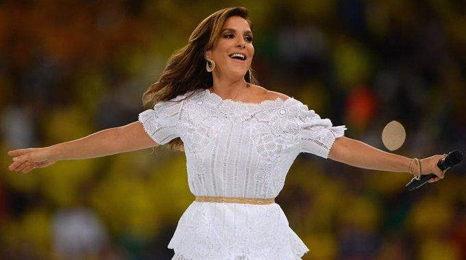 联合会杯华彩闭幕 巴西美女歌后倾情献唱