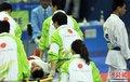 图文:阿富汗空手道选手被击倒昏迷