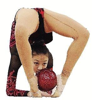 亚运艺体团体决赛结束 美女用肢体来说话(图)