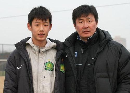 足球父子兵:郝海东之子闯欧洲 小贝父子传承