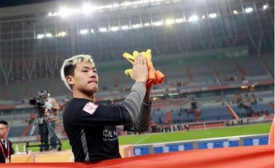 王大雷:踢得好因运气好 今年鲁能任务是保级
