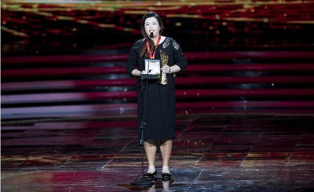 冯珊珊劳伦斯获最佳突破 中高协连夜发贺信表彰
