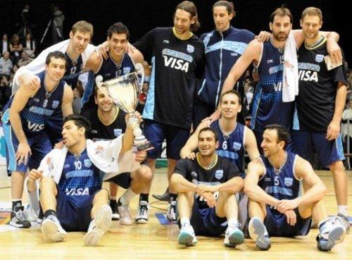 吉诺比利22分斯科拉10分 阿根廷53分狂胜夺冠