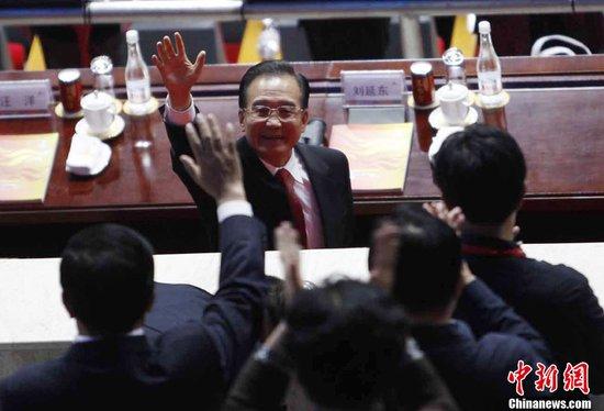 图文:温家宝总理出席广州亚运会开幕式