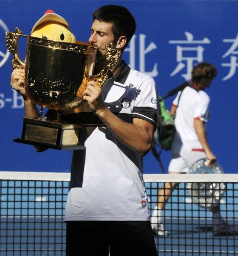 小德两盘完胜费雷尔 成中网男单首位卫冕者