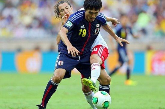 日本一堆海归,却只能依靠32岁的前田辽一打前锋
