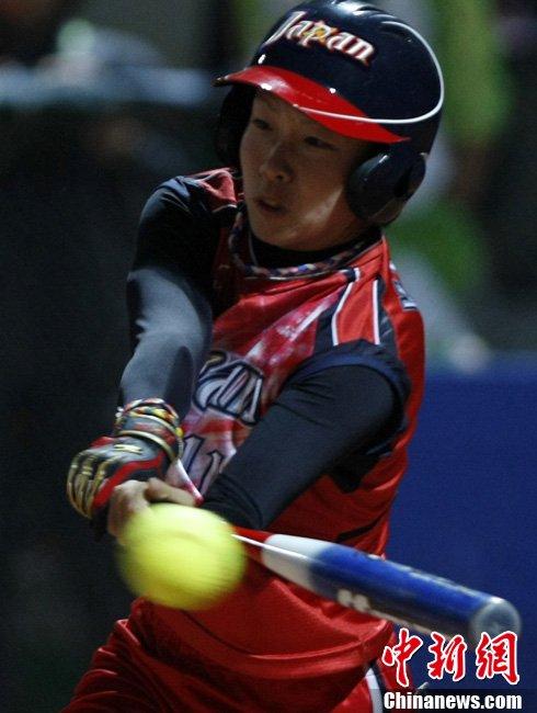 中国不敌日本斗鸡女子体育银牌_垒球_腾讯网夺得肉v女子图片