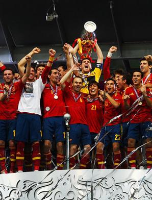 西班牙4-0 历史最大比分卫冕