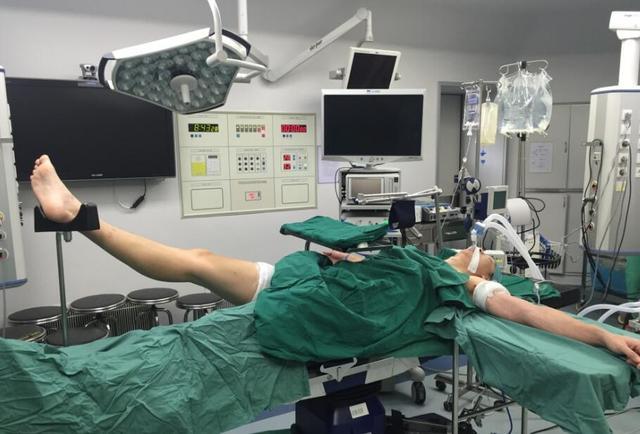 孙悦成功接受脚踝手术  预计恢复期达5-7个月