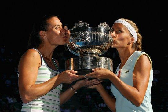 澳网决出首个冠军 杜尔科佩内塔逆转女双折桂