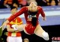 图文:眭禄夺得亚运女子体操个人全能冠军