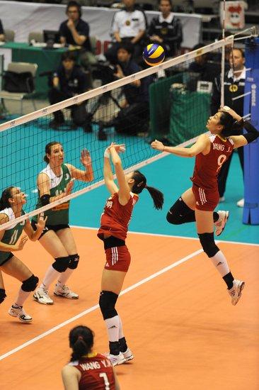 中国女排3-0完胜阿尔及利亚 世界杯取开门红