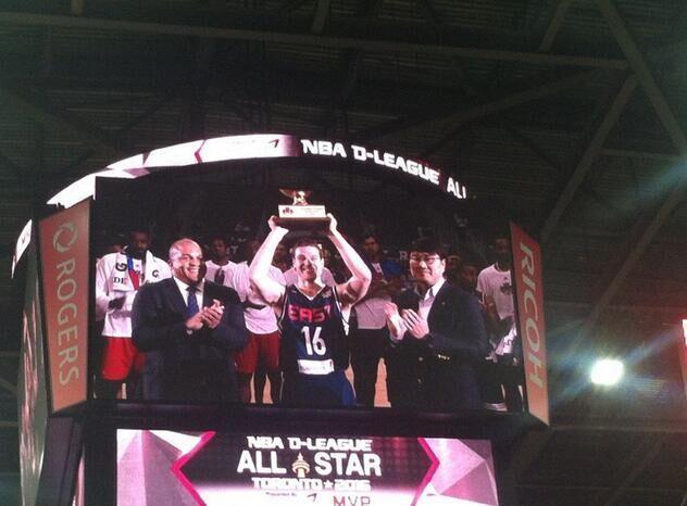 马刺弃将获NBDL全明星MVP 35+8!得分破纪录