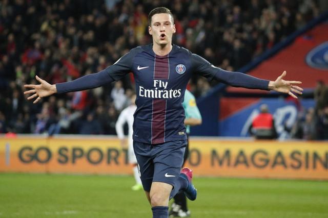 法甲-巴黎2-1胜仍差摩纳哥3分 新援破门逆转