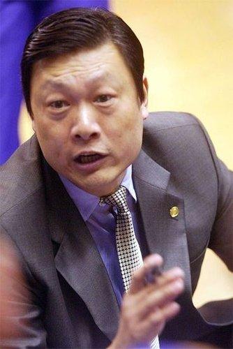 读图时代:姚明恩师成NBA首名中国助教