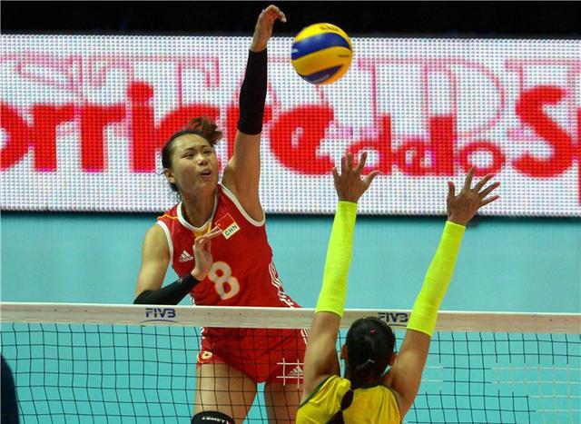 世锦赛中国女排0-3负巴西 冲击四强先折一阵