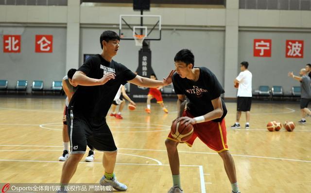 周琦若被NBA选中还要过3关 王哲林参选看行情