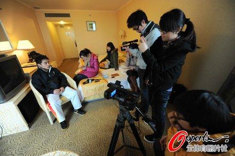 张尚武:退出枕头公司 未来可能还要街头卖艺