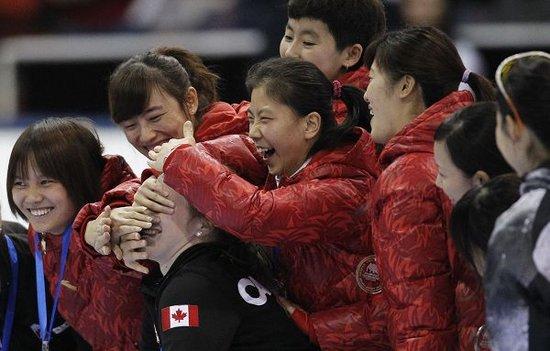短道世界杯女子接力中国夺冠 韩国摔伤未完赛