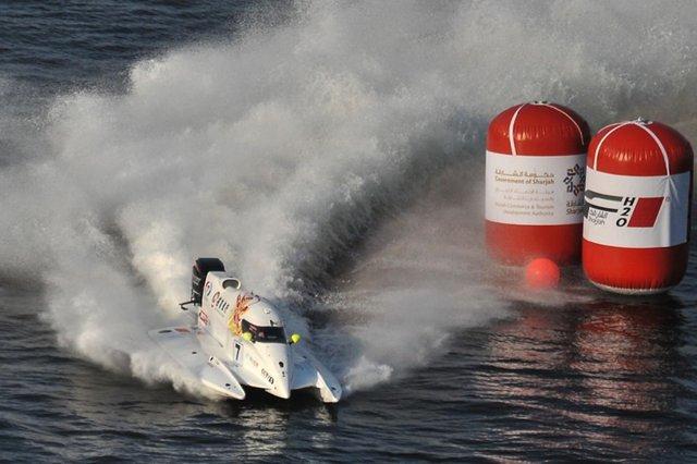 F1摩托艇收官站:中国天荣队排位赛夺第三