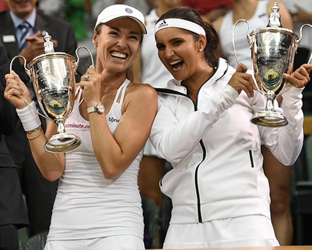 辛吉斯携米尔扎演逆转 配对首夺温网女双冠军
