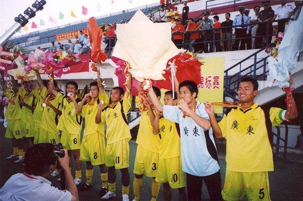 2005年全国聋人足球锦标赛,郑国栋的球队首次夺冠