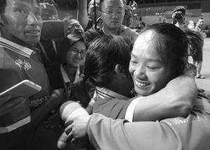 中国首金蒋惠花:希望奥运夺冠 奖金都寄回家